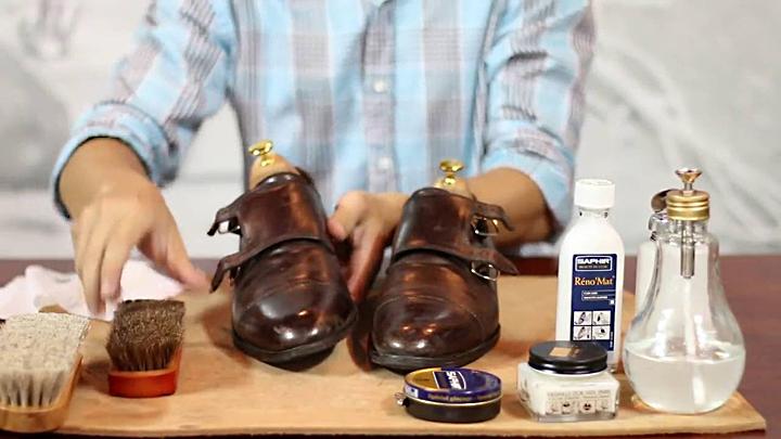 Các bước đánh bóng giày da tốt nhất