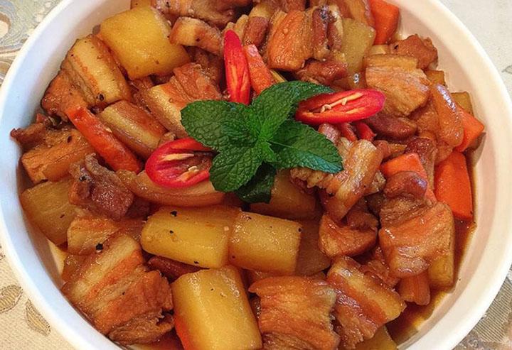 Củ cải kho thịt heo
