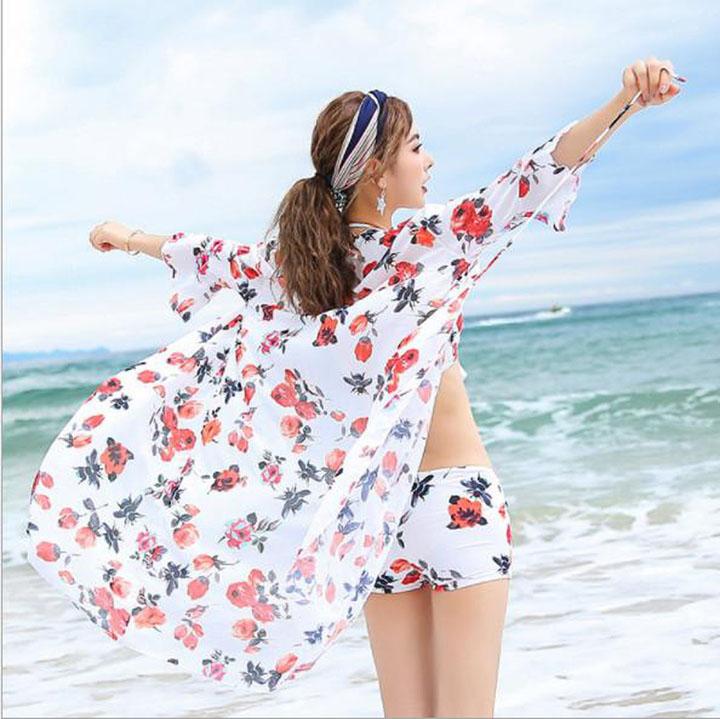Áo choàng tắm + quần short đi biển