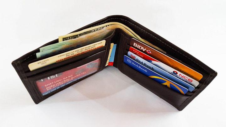 Giữ ví trong tình trạng sạch sẽ và ngăn nắp.