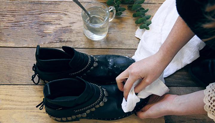 Cách sữa giày bị tróc da ngay tại nhà