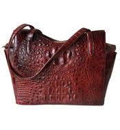 Túi xách da cá sấu cầm tay cánh bướm màu nâu đỏ giá rẻ Kiều Hưng
