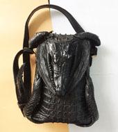Túi đeo chéo nam da cá sấu bộ da nguyên con màu đen