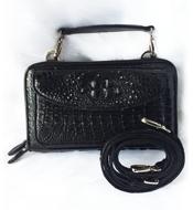Túi đeo chéo da cá sấu màu đen LM3899. BH 3 năm, đổi trả 30 ngày!