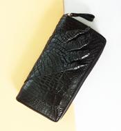 Ví dài da cá sấu Kiều Hưng LM1449, màu đen. BH 3 năm, hàng có sẵn